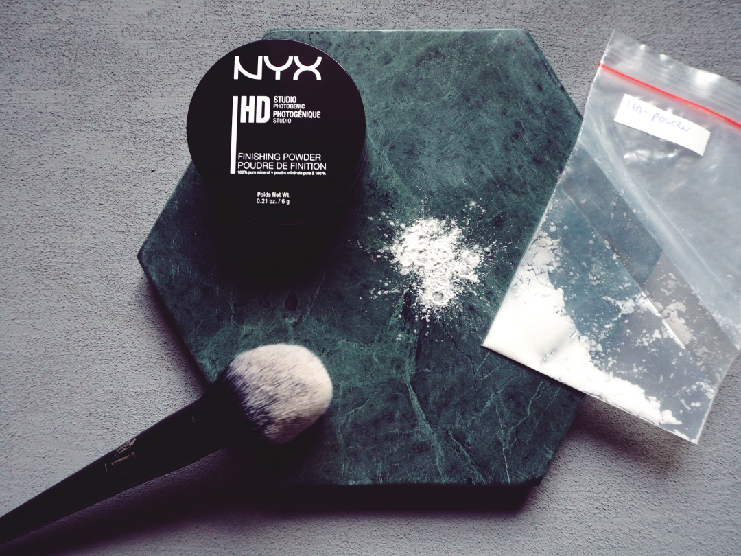 Nyx HD Finishing Powder vs RMS Beauty un powder Swatches