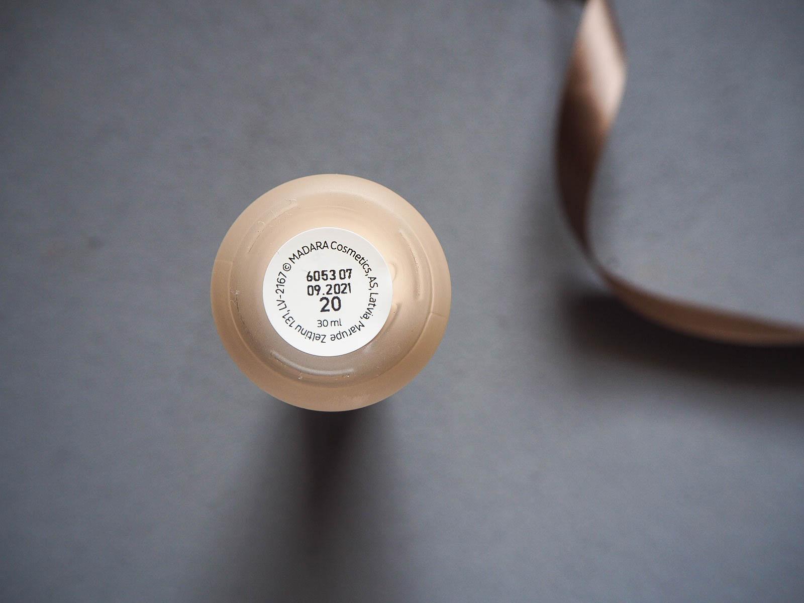 Mádara Skin Equal Foundation Ivory